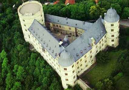 Donde se aprecia la forma triangular, o de punta de lanza, del castillo de Wewelsburg