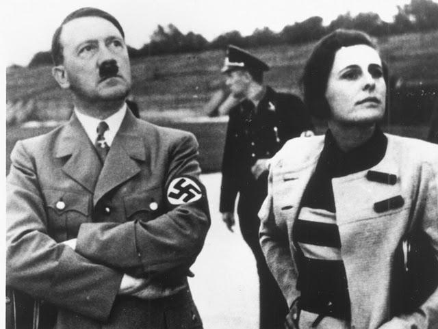 Leni Riefenstahl, la conocida de Amber, con Adolf Hitler